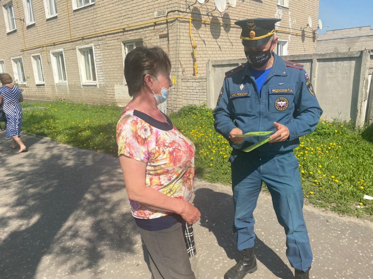 Сотрудники органов дознания напомнили жителям Мурома и Муромского района о требованиях особого противопожарного режима